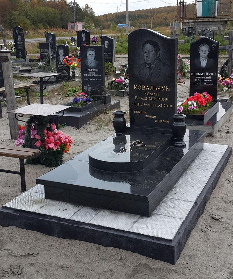 Памятники гранит мурманск памятники на могилу цены москва фото луга
